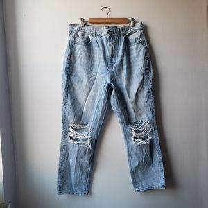 American Eagle Distressed Mom Jeans 16